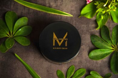 model-cosmetic-tin-dung-1