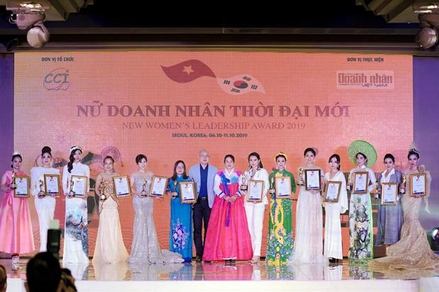 doanh-nhan-thoi-dai-moi-van-anh-2