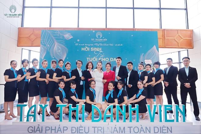 tay-thi-danh-vien-khachhang-1