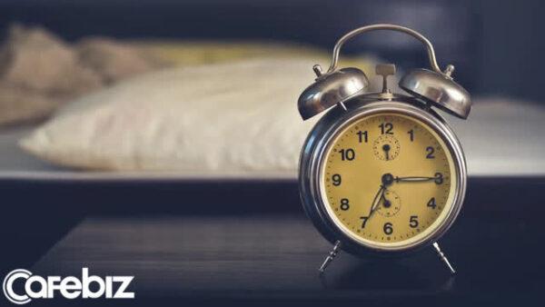 sleep-alarm-clock-bed-16102869900961864125338-16102872094161622963276