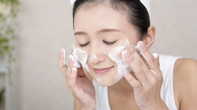 sua-rau-mat-acnes-1